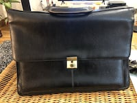 Only $10 messenger/ laptop bag in leather  Edmonton, T5H 2Y8