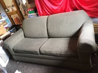 Green hide a bed couch Gresham, 97030
