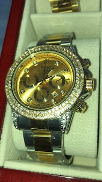 round gold Rolex chronograph watch with link bracelet Brampton, L6T 4A2
