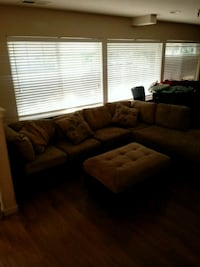2 piece sectuonal with ottoman Citrus Heights, 95610