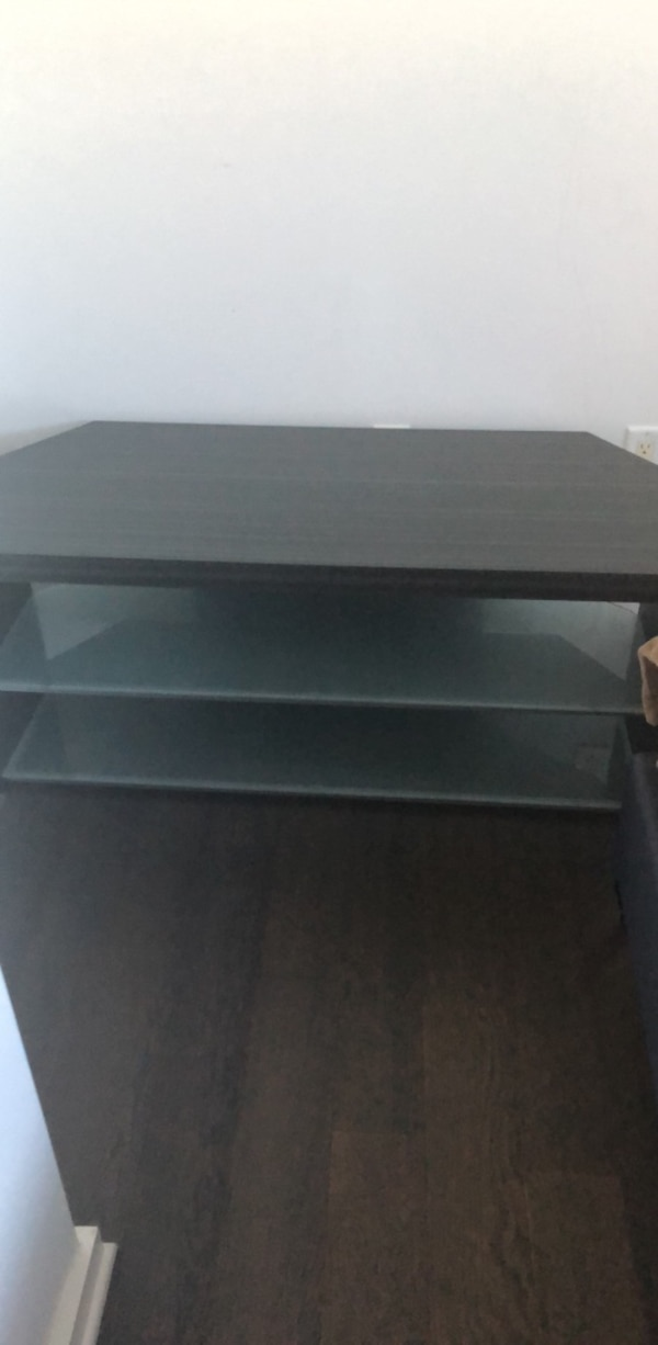 48 inch TV stand long 22 inches high.