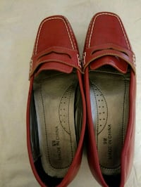 Womens Red Leather Loafers 9 1176 mi