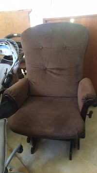 Rocking chair; color: brown Bedford, 01730