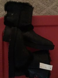 pair of black suede boots Harpers Ferry, 25425