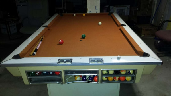 Brunswick Used Pool Tables >> Used 1960 S Brunswick Pool Table For Sale In Florissant Letgo