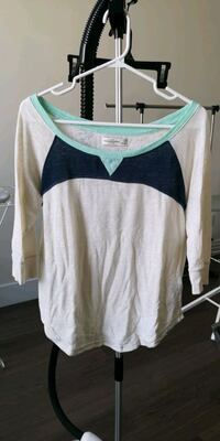 Abercrombie and fitch top size S Markham, L6C 0G7