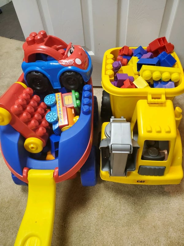 Mega Bloks Wagon and Dump Truck 4