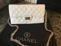 Beautiful white colour clutch crossbody bag  Hamilton, L8W 3H2