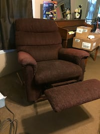 Recliner Sterling Heights, 48314