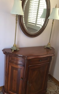 Solid wood console and mirror with 2 Bombay lamps  Vaughan, L4L 1X1