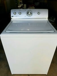 white top-load washing machine Coram, 11727