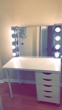 Custom Hollywood Style Vanity Mirror Chrome/5 Drawer Table(Brand new) Anaheim