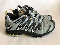 pair of gray-and-black Nike running shoes 2388 mi