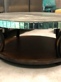 glass round table  Chicago, 60605