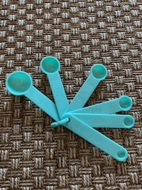New Lime Green Plastic 6 Piece Measuring Spoons