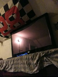55 inch tv and 55 inch tv wall mount