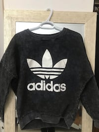 Adidas Sweater // size Medium womens Toronto, M2R 3N7