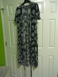 Women's black and gray floral wrap dress Snellville, 30078