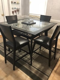 rectangular black wooden table with four chairs dining set Alexandria, 22306