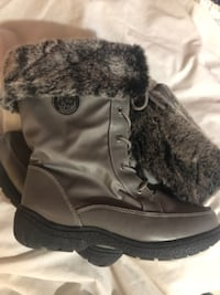 New Beautiful silver grey winter boots!
