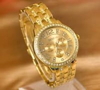 round gold-colored chronograph watch with link bracelet Los Angeles