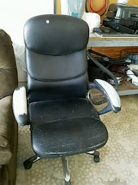 black leather padded rolling armchair Venice, 34293