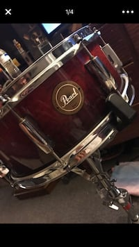 brown and gray steel Pearl snare drum Crownsville, 21032