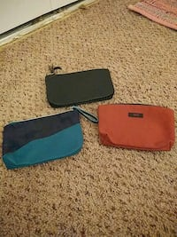 Makeup bags $5 for all 3 376 mi