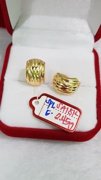 18k saudi gold earrings Toronto, M6A 2B4