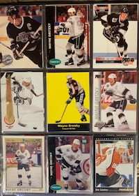 Hockey Assorted (35) Trading Cards