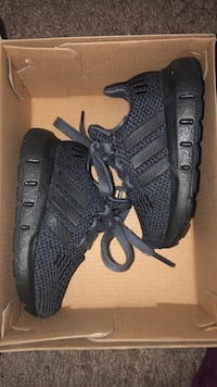 Adidas Shoes Size 4 Albuquerque, 87121