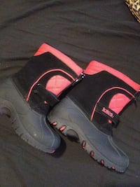 New totes rubberboot sz10boy
