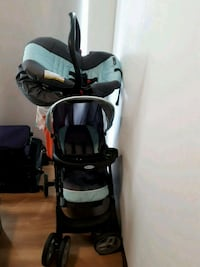 baby's black and white travel system Toronto, M1G 3T8
