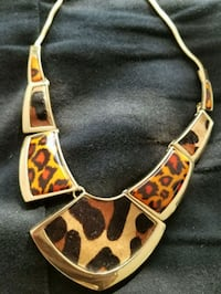 Necklace  Brampton, L6Z 4W4