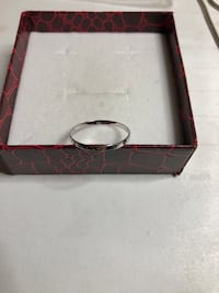 10k White Gold Hammered Stackable Band Ring size 7 629 km