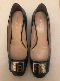 Authentic Prada navy patent leather shoes 38.5 New York, 10019