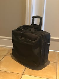 TARGUS ROLLING BAG FOR OVERNIGHT BUSINESS TRAVEL (laptop, files, clothes, toiletries) Calgary, T2P