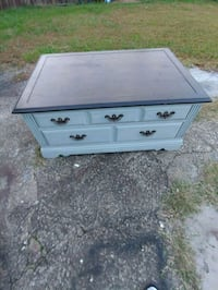 Broyhill grey distress coffee table Lawrenceville, 30045