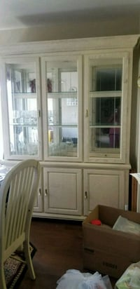 Ivory wooden framed glass display cabinet Germantown, 20874