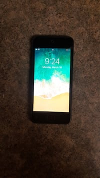 Apple iPod touch 6th 16 GB $110 Firm good condition  Edmonton, T5Y 1S1