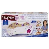 Easy Bake Oven- come with two Hasbro desserts Mississauga, L5L