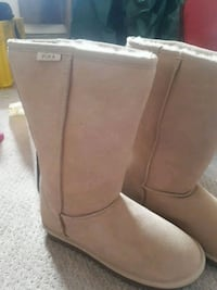 Pika Shearling lined Winter Bootsize 9 Never worn! Calgary, T3E 3W3