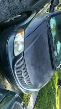 Chrysler - Town and Country - 2001 913 mi