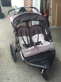 In great condition double stroller Mississauga