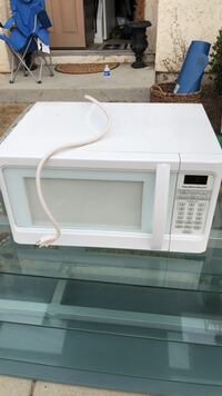 white General Electric microwave oven Huntington Beach, 92648