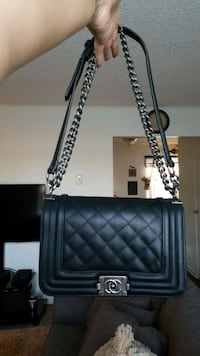 Chanel quilted crossbody ( Grade A-1 imitation ) Eatontown, 07724