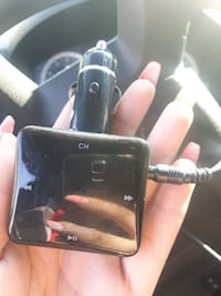 black MP3 player with car charger Toronto, M6P 1S2