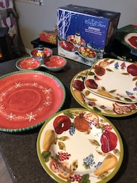 New Christmas serving dishes with free delivery.  London, N5Y