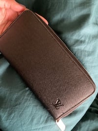 new LV Wallet / no negotiation Toronto, M3A 2E5
