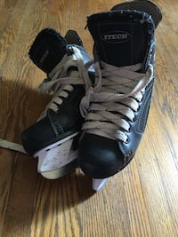 Children's hockey skates Chatham, N7L 2Z3